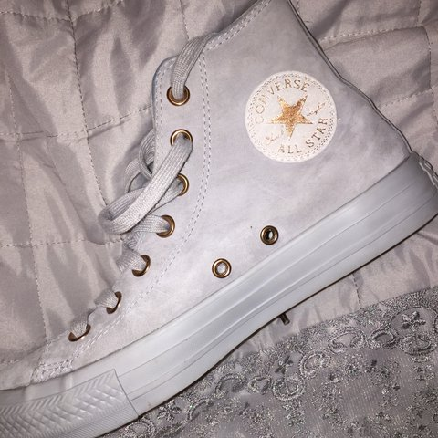 1e63b42b59b Gorgeous grey suede hi top converse with rose gold details a - Depop