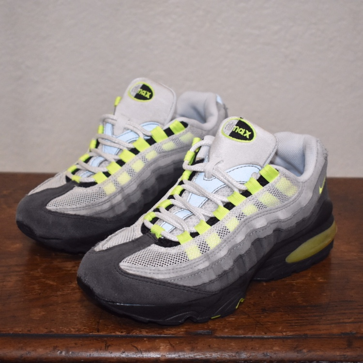 2004 OG Neon Nike Air Max 95. Size 4.5Y