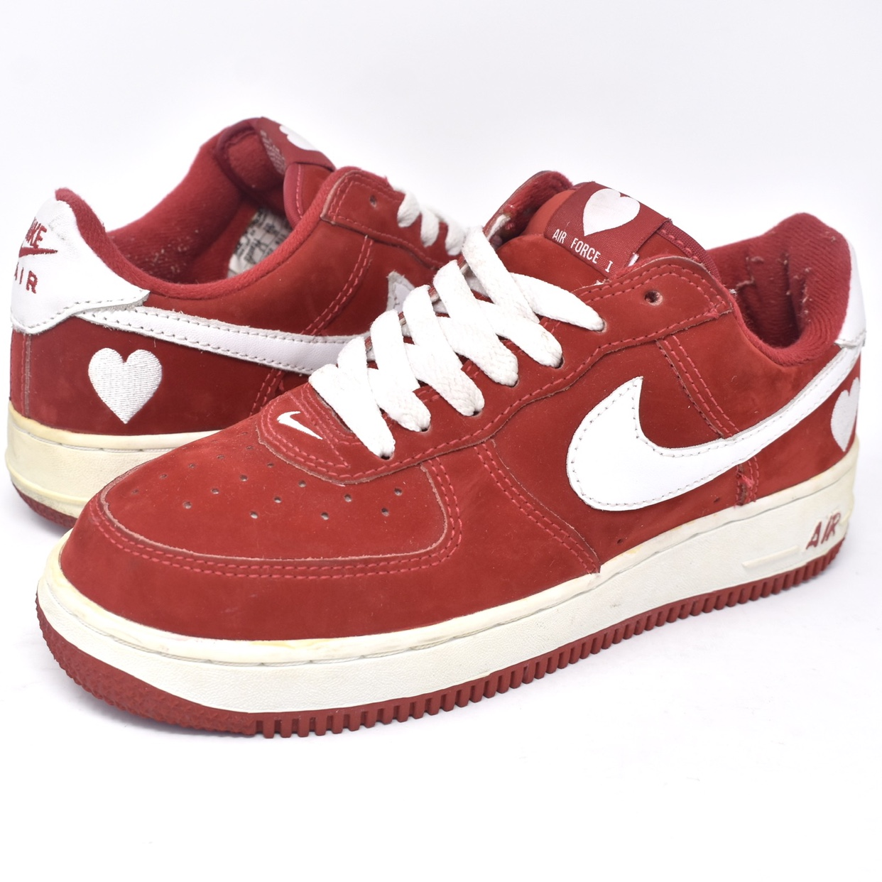 "taille 40 d11ab c4937 Very rare 2003 Nike Air Force 1 low ""Valentines Day""... - Depop"