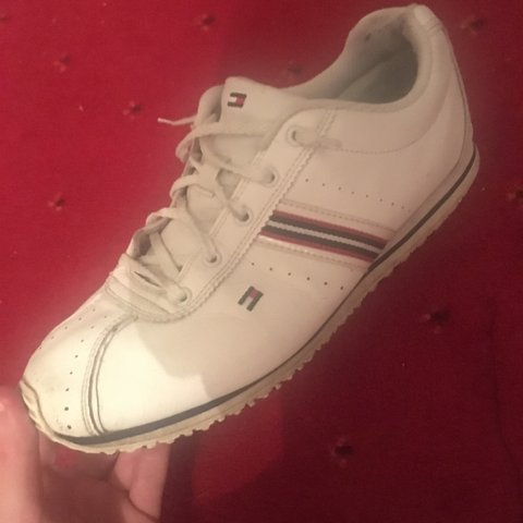 a724124596df Tommy Hilfiger tennis shoes size 6 UK Fairly worn but still - Depop