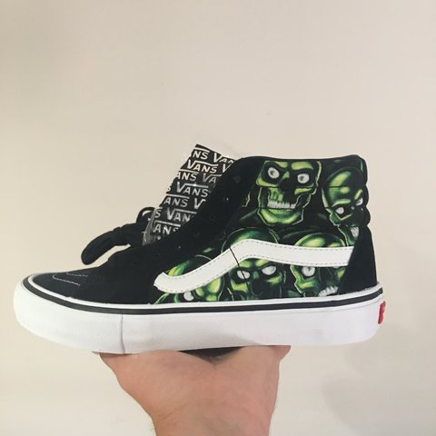 39b7be6d9ce3 SUPREME VANS SK8 HI SKULL PILE DEADSTOCK PM FOR QUICK 7.5 - Depop
