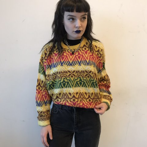 d4d649ff2098 Really adorable vintage yellow jumper