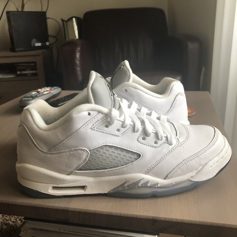 5a9d828195c6 Jordan 5 Wolf Grey Lowtops Condition  7 10