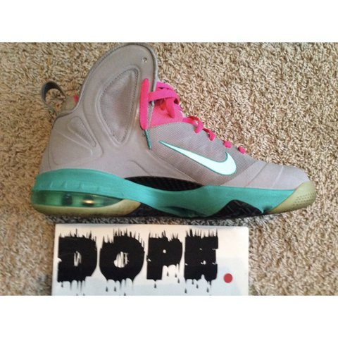 ca9560b6628f Nike Lebron South Beach 9 - Size   12 - Gently Worn ( Some - Depop