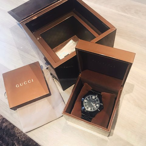 986d580076a Montre Gucci full set - Depop