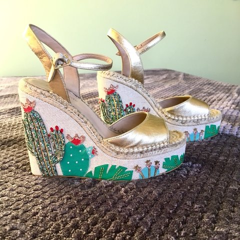 188976c193ce Amazing Kate Spade Cactus Wedges from when Kate Spade was in - Depop