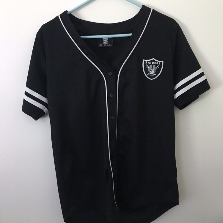 the best attitude b5073 6dcf8 Oakland Raiders baseball jersey barely used size... - Depop
