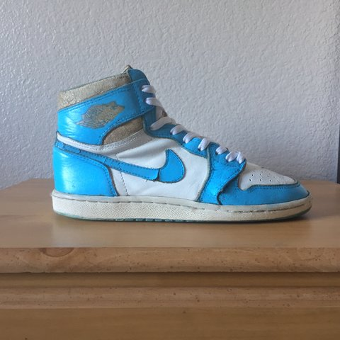 1985 Air Jordan 1 UNC in a size 8 Designed by Peter Moore 1 - Depop a3eb050f0