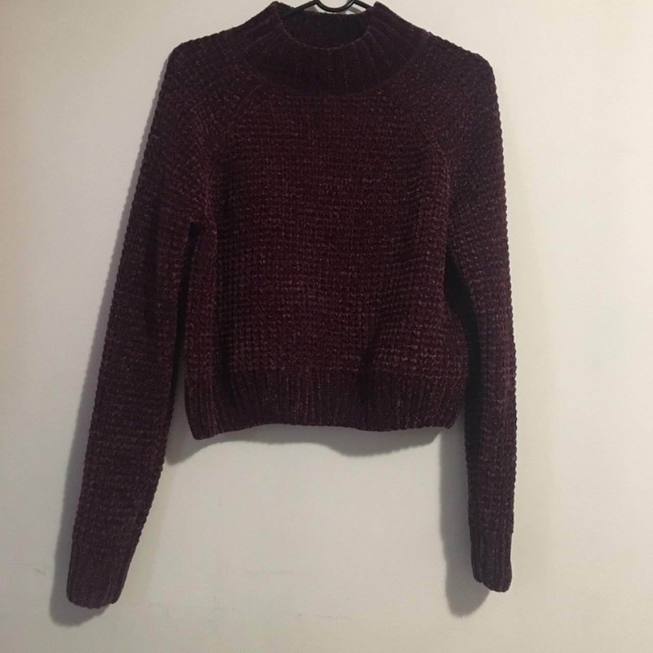 Burgundy cropped cable knit sweater from H M Super soft and - Depop 1a3fb5787