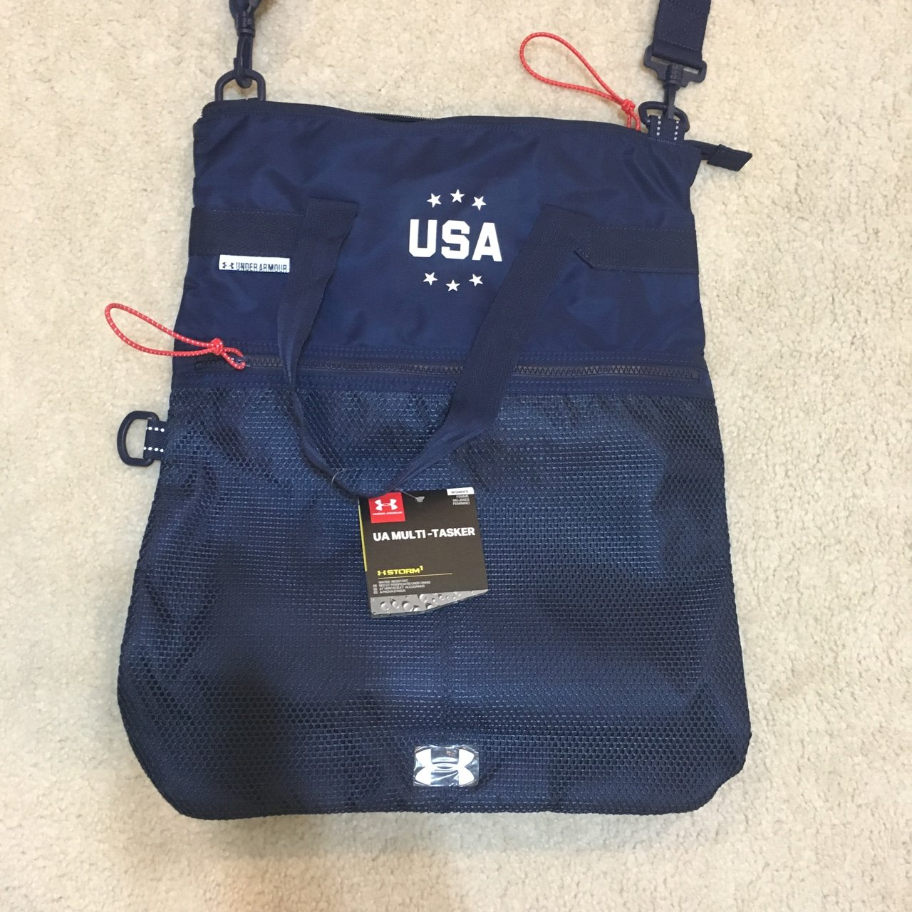 5bc6af7a6fbc Super spacious new with tags navy blue under armour sports - Depop