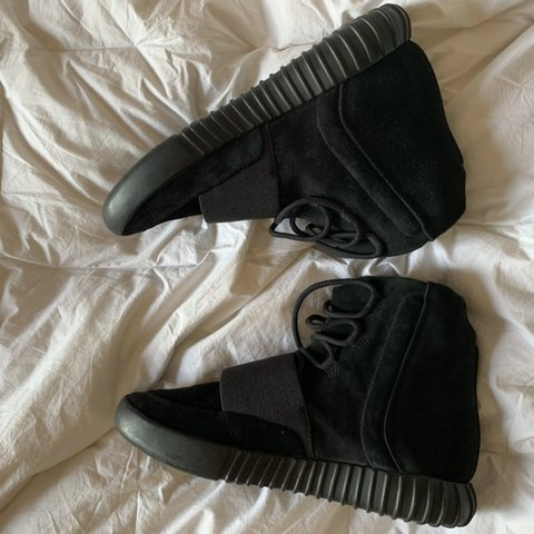 8a9d40884b7e8 Adidas Yeezy boost 750 triple black size US10 - a must-have - Depop