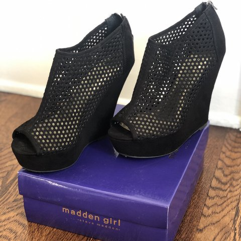 2b555051921e The most fun Steve Madden Madden Girl black platform wedge a - Depop