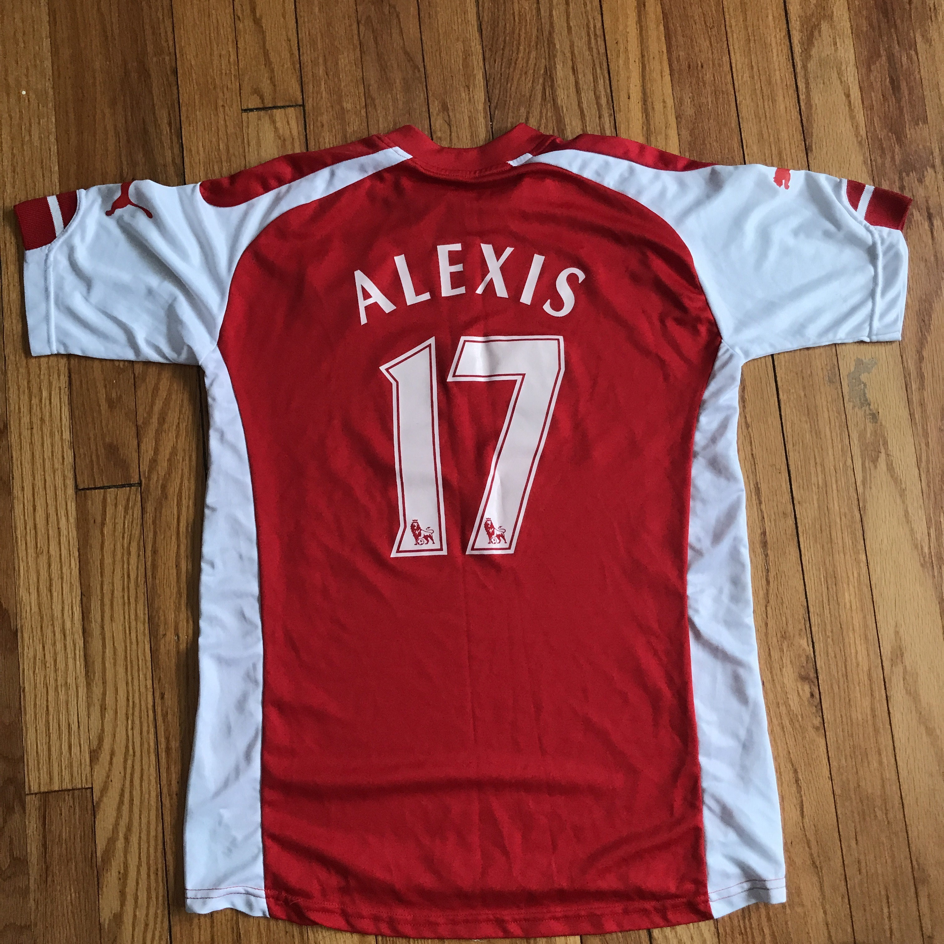 detailed look f6a30 9d970 Alexis Sanchez Arsenal puma jersey In really good... - Depop