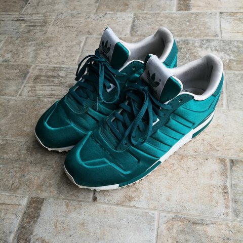 d8e5c322c776a Adidas ZX 700 W Womens Trainers in Green - Depop