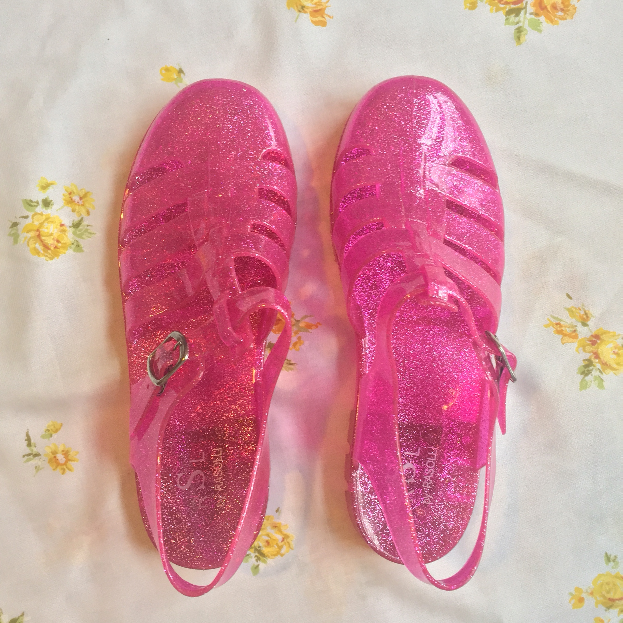 Pink glitter jelly sandals size 9 these