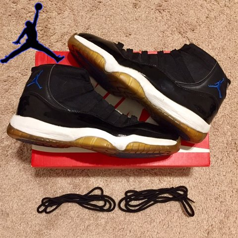 9f5609bfc7cd72 2009 Air Jordan 11 XI Space Jam Sneakers Men s size size + - Depop