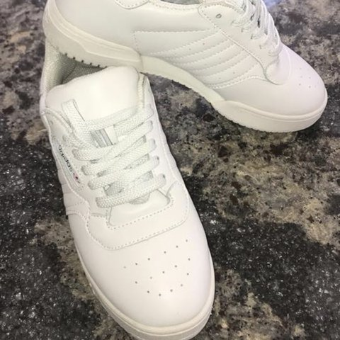ad5fb7070d930 White adidas yeezy calabasas runners size 5 would fit 4.5 I - Depop