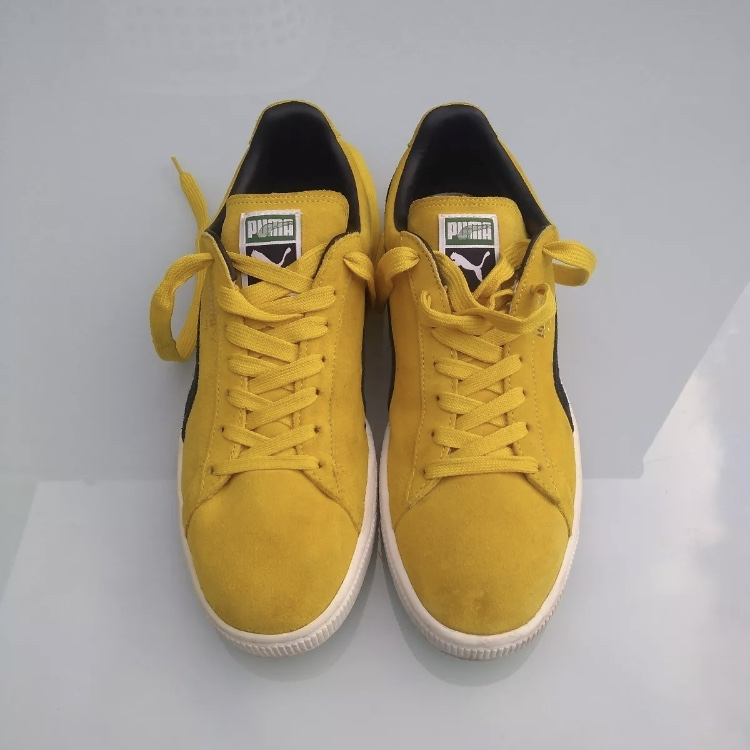 best cheap 7b6b6 2295e Pair of OG PUMA Suede Classic. Yellow-black colour... - Depop