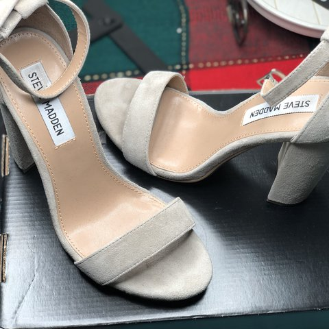 124fde1ba1a Size 7 Carson Steve Madden Nude Heel. Only worn ONCE. Suede - Depop