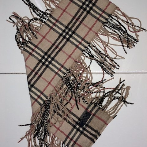 7a8911defffc @mmmmila. 4 months ago. Oakville, Canada. Authentic Cashmere Burberry Scarf  100% Cashmere Made in England