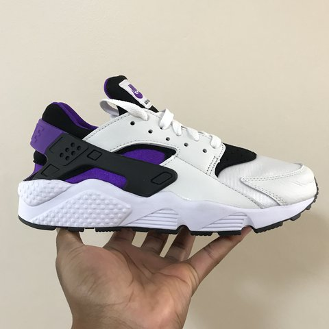 921073ac0ae8  clubfoogi. last year. United Kingdom. Nike air huarache  91 QS- PURPLE  PUNCH Size 6.5 (best fit ...