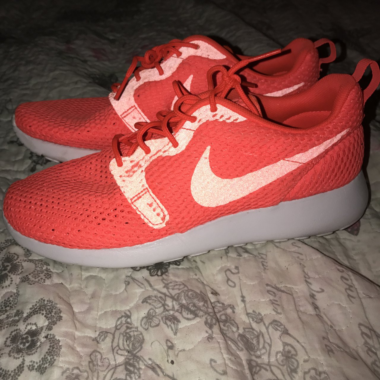 Nike Roshe Runs Women s Size 5.5 but fit size 6 Good Ideal - Depop 95275f9e2