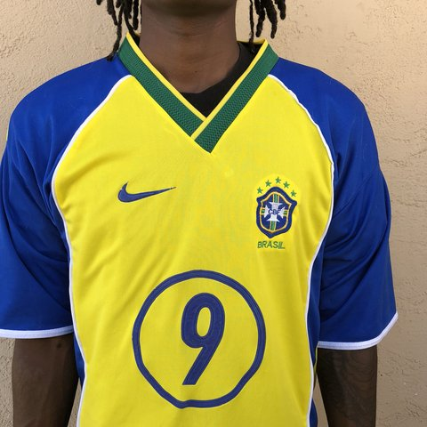 74c02645 Brazil soccer jersey World Cup around the corner too #9 Sz - Depop