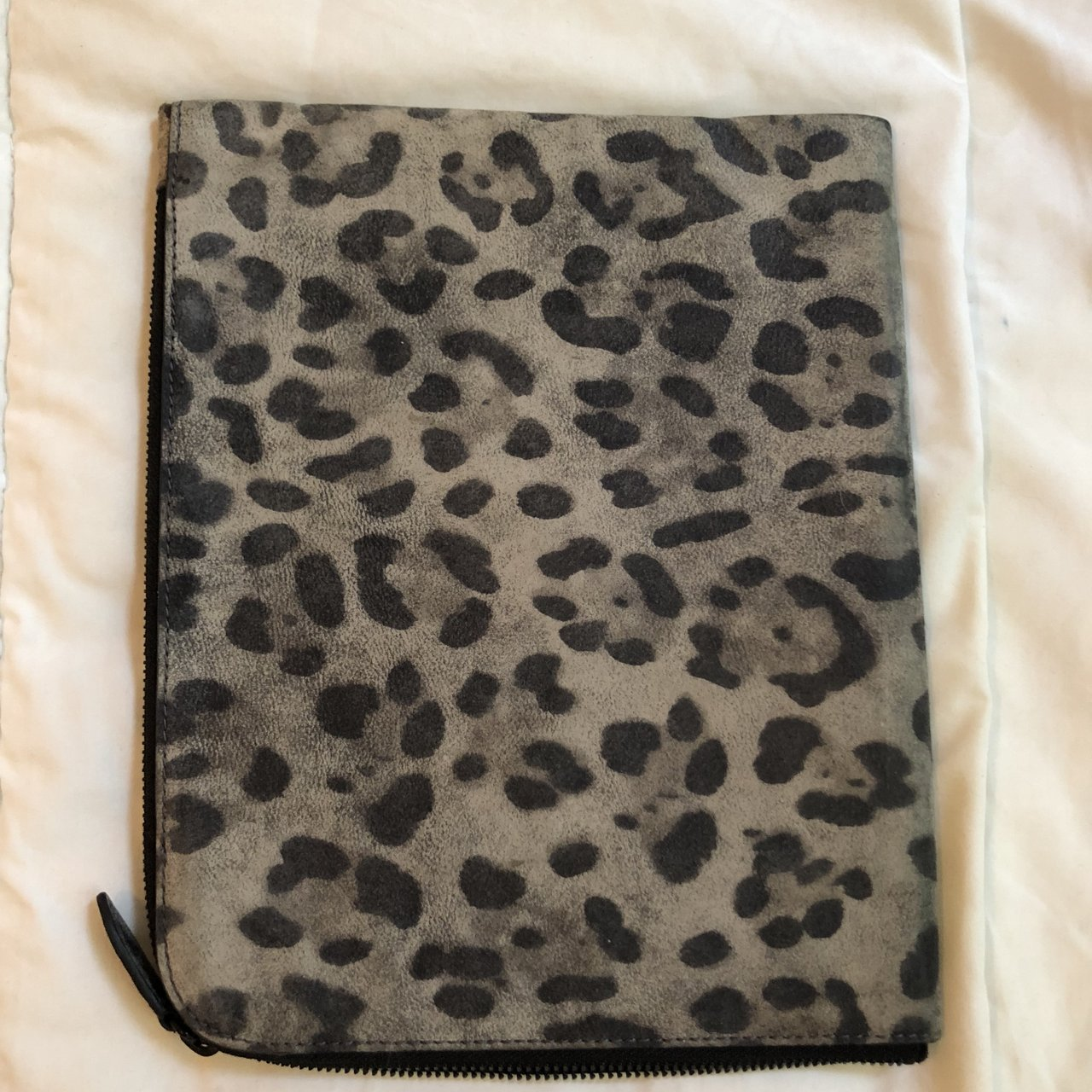 686bfa1a224f 3.1 Phillip Lim leopard case. I used it for my iPad but can - Depop