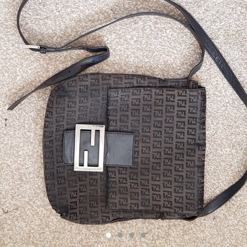 27539102a7 @k4therineads. yesterday. Reading, United Kingdom. Authentic fendi side bag!!  So nice and I'm good vintage ...