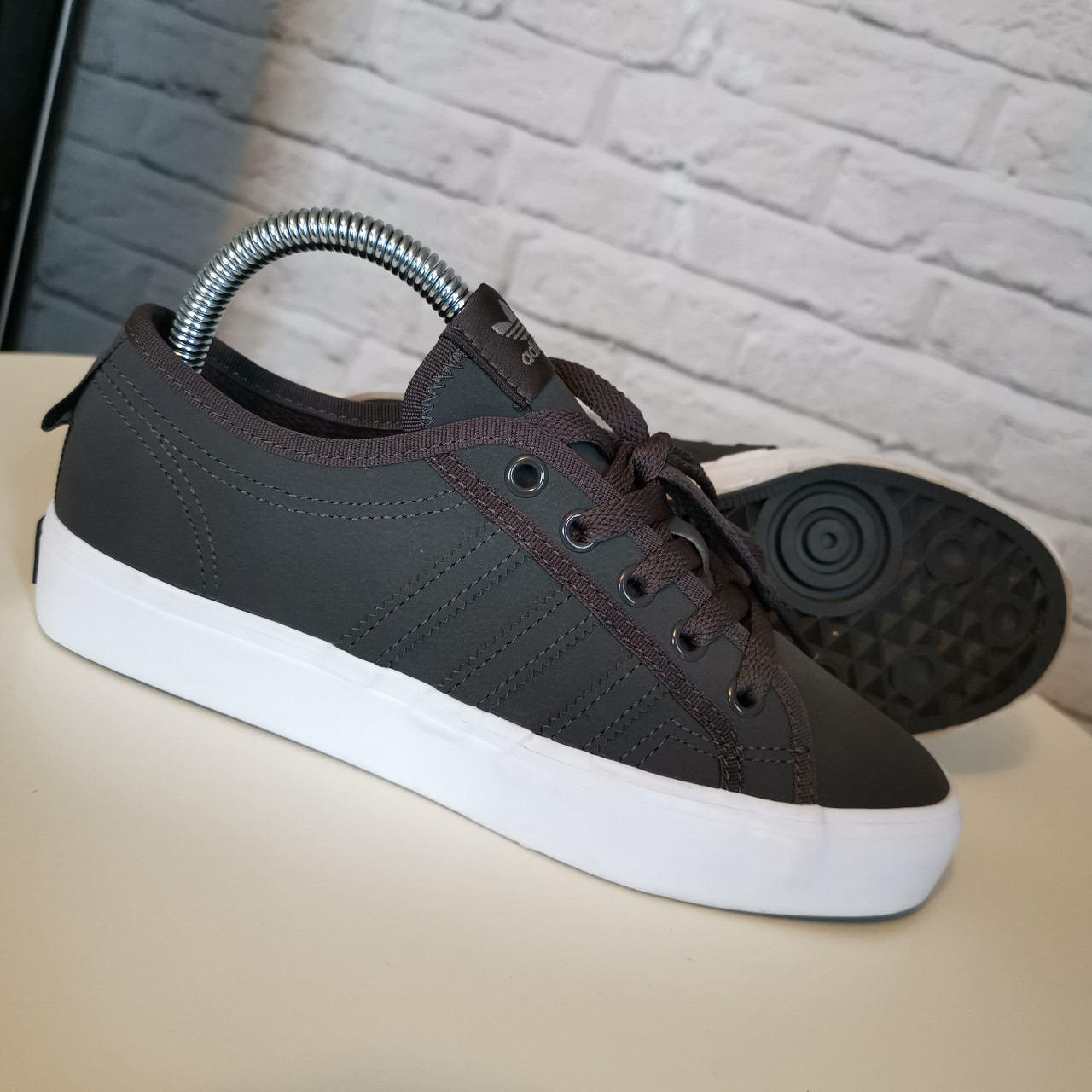 carrera apagado clima  Adidas Originals Nizza Lo Grey Brand New... - Depop