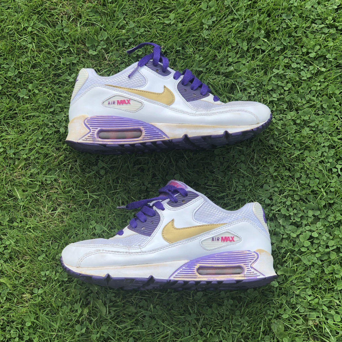 NIKE AIR MAX 90 WHITE, PURPLE AND GOLD