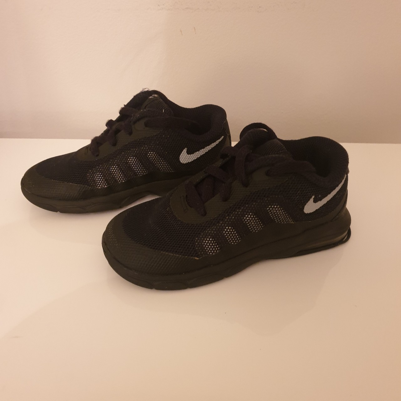 Boys nike trainers infant size 8.5 good