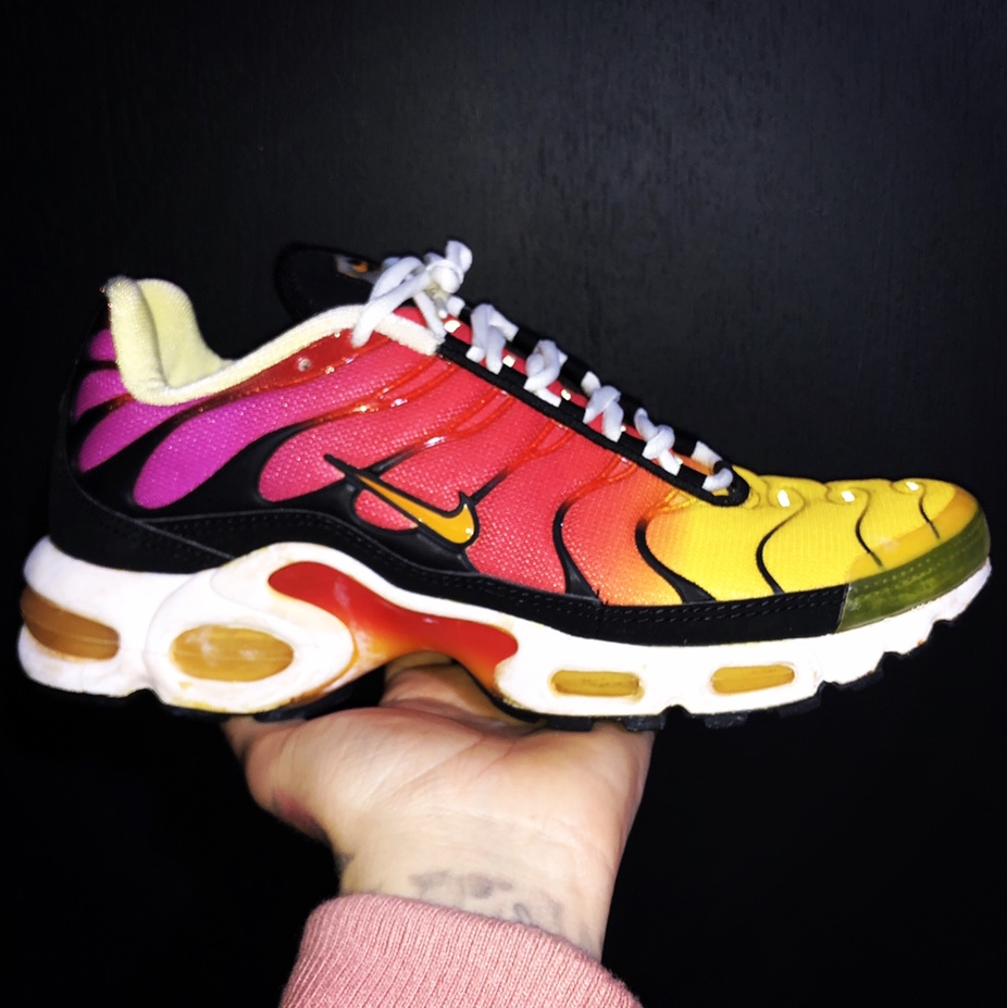 hot sales b90c3 56d74 Wmns 1999 Nike Air Max Plus 'Rainbow' (Mens uk7.5) ... - Depop