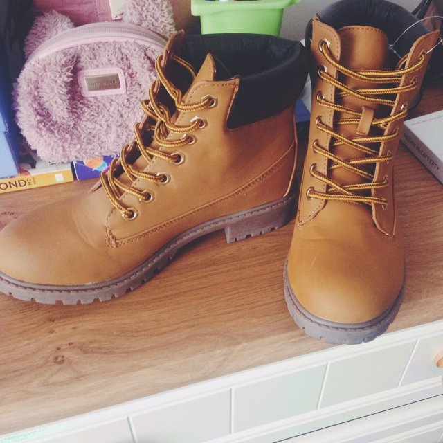 Fake timberland style builder boots for sale! Size six worn - Depop 458ac4b087ec