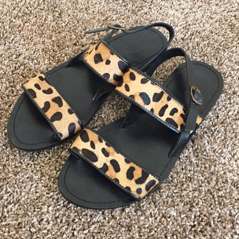53722dd56 leopard print sandals from uo only worn once! - Depop