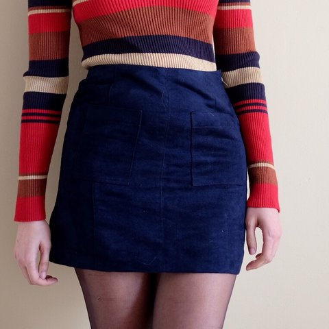 2e5ddde5e3b Old Navy blue faux suede mini skirt. Has two front pockets a - Depop