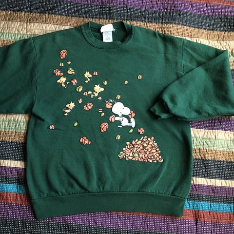fc4d2cc086aa The Peanuts Snoopy crew neck. Size Large. Has an image of - Depop