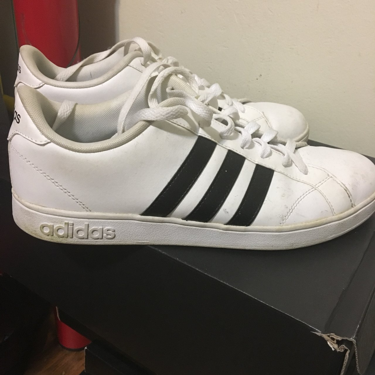 e2c10f640 Slightly worn White adidas shoes Size 9.5 Condition