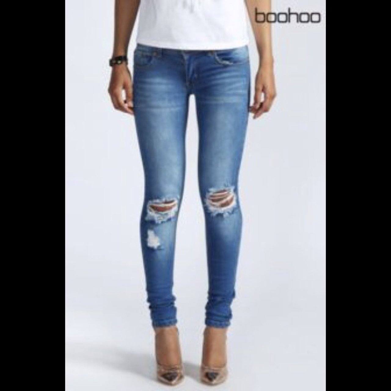 76c61e695e28 boohoo skinny ripped jeans, size 8, good condition worn a £7 - Depop
