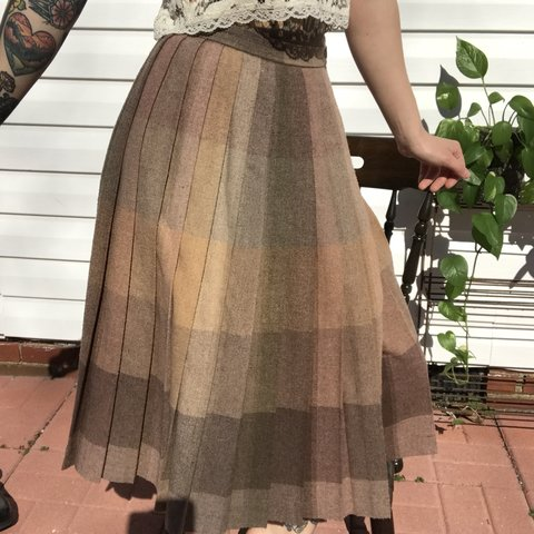 4831c6862c97 VINTAGE PLEATED WRAP SKIRT. 70s/80s union made maxi skirt of - Depop