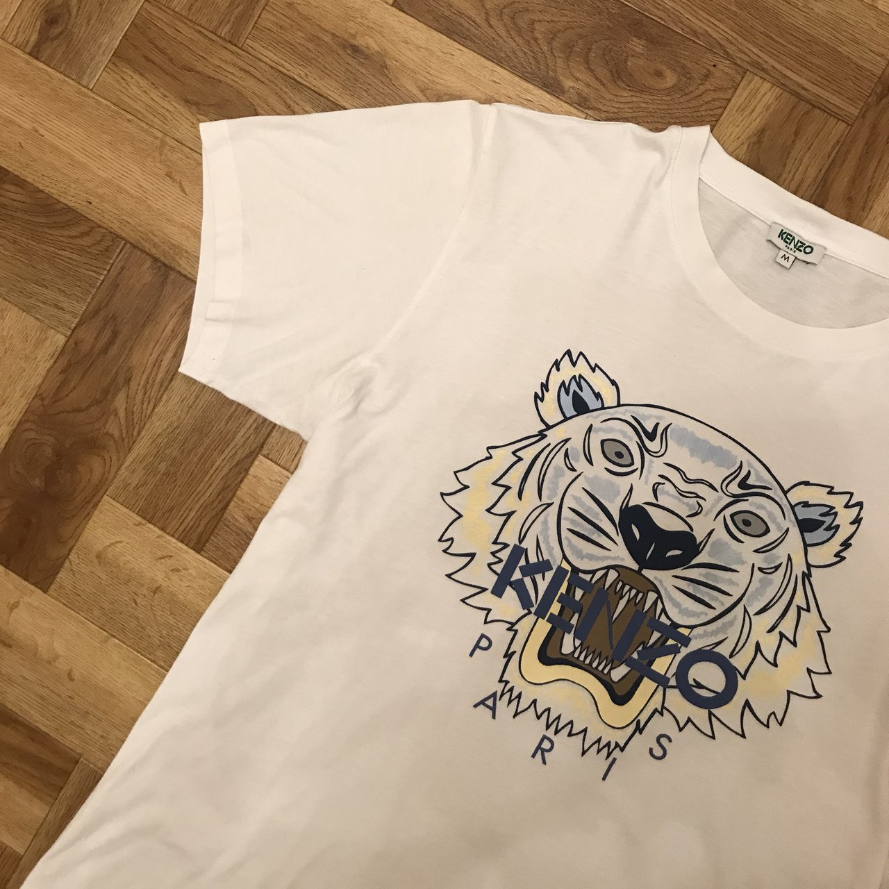 65423060 Kenzo Tiger Tee White/Blue/Yellow Size: M 10/10 only worn - Depop