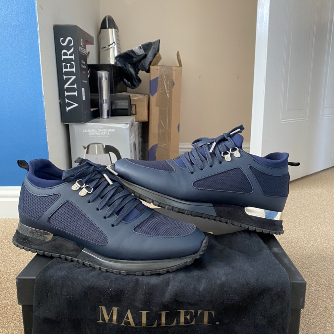Mallet diver navy leather trainer
