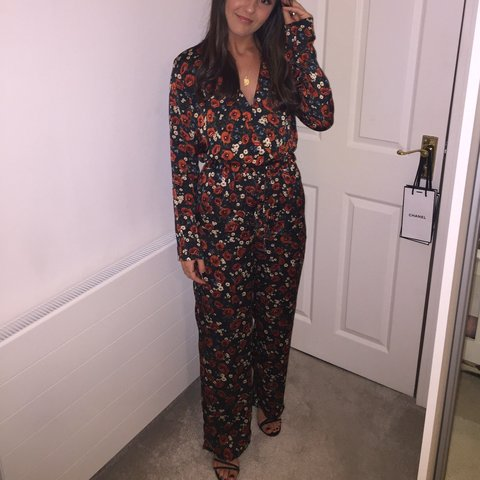 da41a64c27c Nastygal floral jumpsuit. Perfect for autumn. Great - Depop