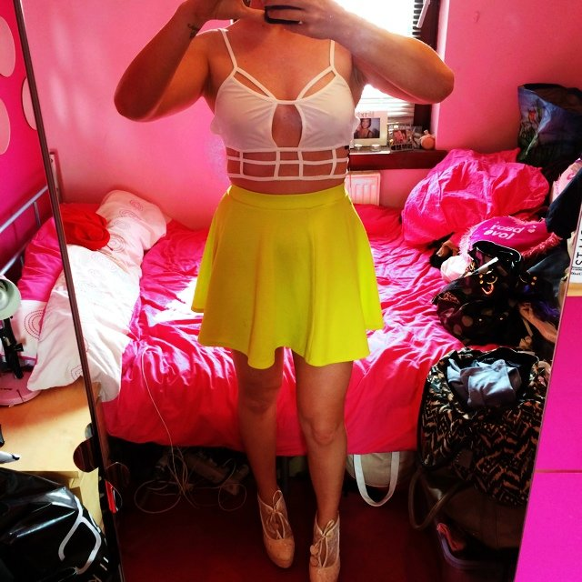 3795aaa296d2 @dpc89. 5 years ago. Newton Mearns, United Kingdom. River Island high  waisted skater skirt in pale lime green. Size 6. Worn once x
