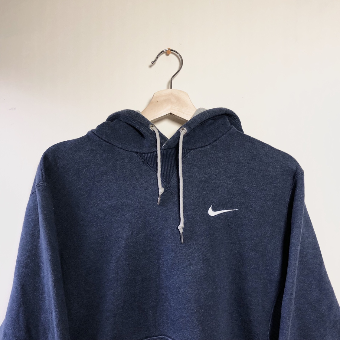 Navy blue nike hoodie with white