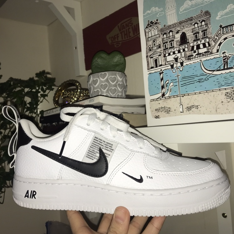 nike air force 1 strane