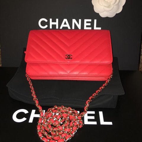 f0c23e5fcac0 @vipexclusives. 5 months ago. New York, Spojené státy. Authentic CHANEL  BRAND NEW IN BOX 2017
