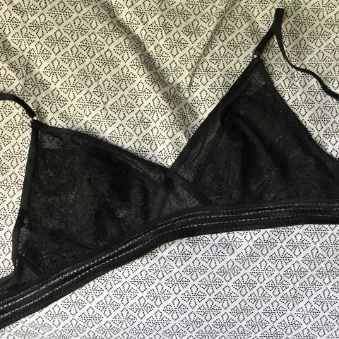 7f9ebfc4d0ab93 P cute black lacy bralette. I m a twerp who tends to cut out - Depop