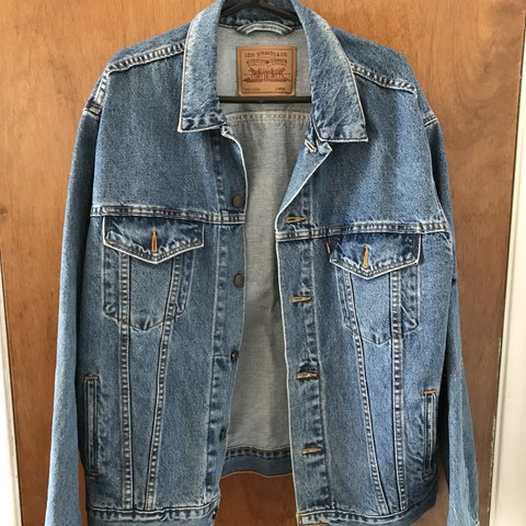 Levi S Denim Trucker Jacket Mens Size L Great Condition Depop
