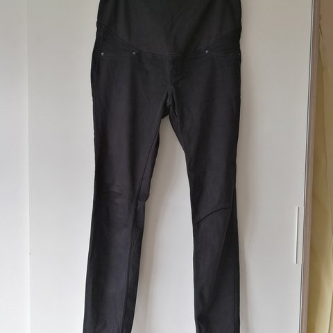 5e5840299c1ab @laurahowes. last year. Hereford, GB. H&M Maternity jeans. Black Excellent  condition. Size Eur 40